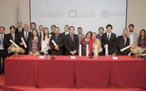 Entrega de diplomas en el Instituto Sabato