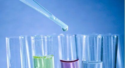 Estudian las propiedades del grafeno para depurar aguas contaminadas en el sector nuclear