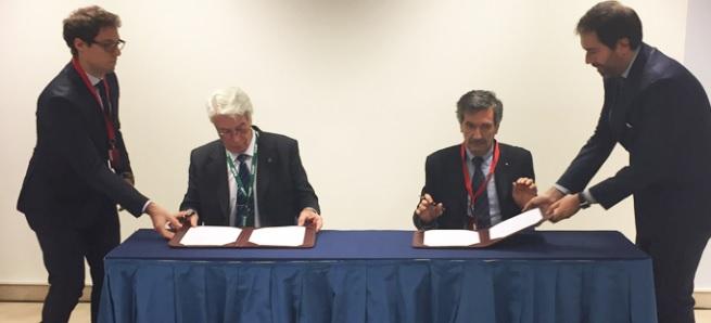 CNEA e INFN firman acuerdo sobre astropartículas